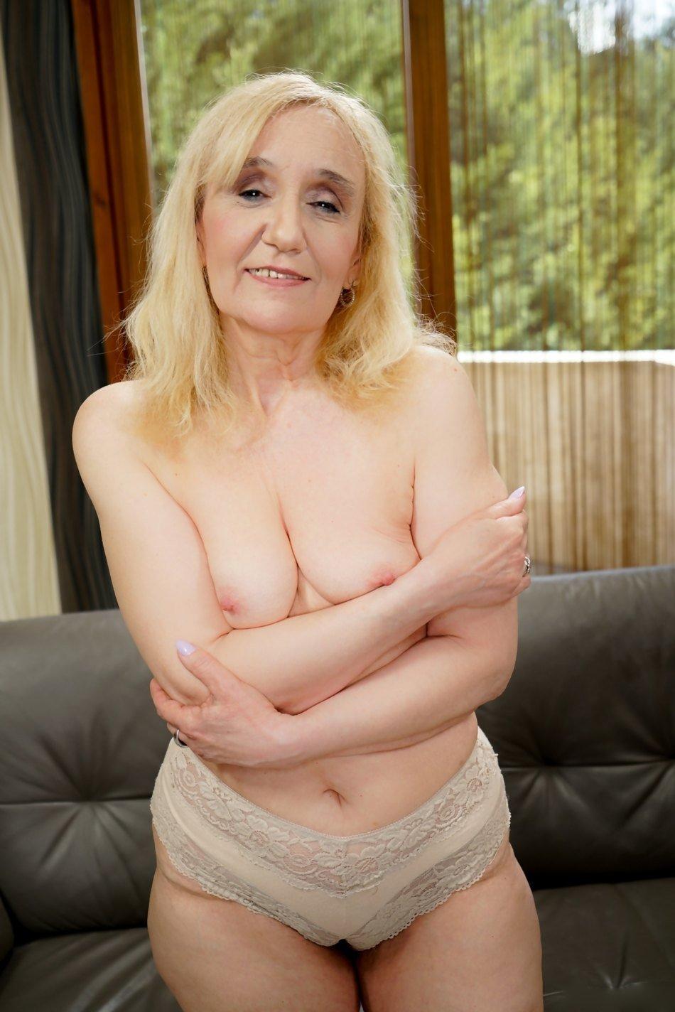 LadyAlayna from Belfast City,United Kingdom